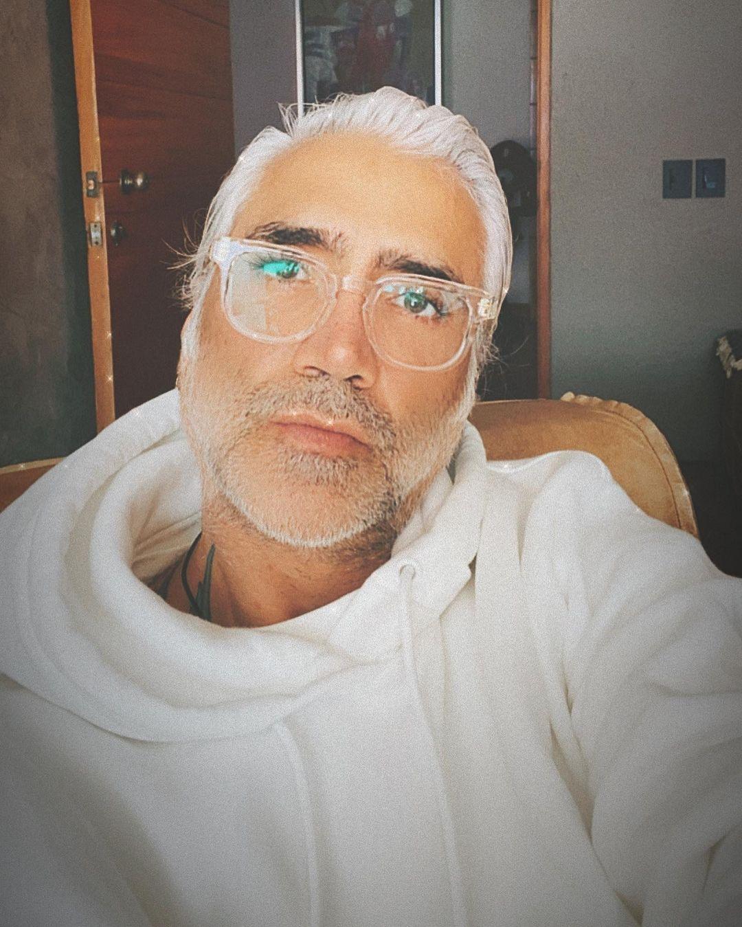 Alejandro Fernandez causa revuelo