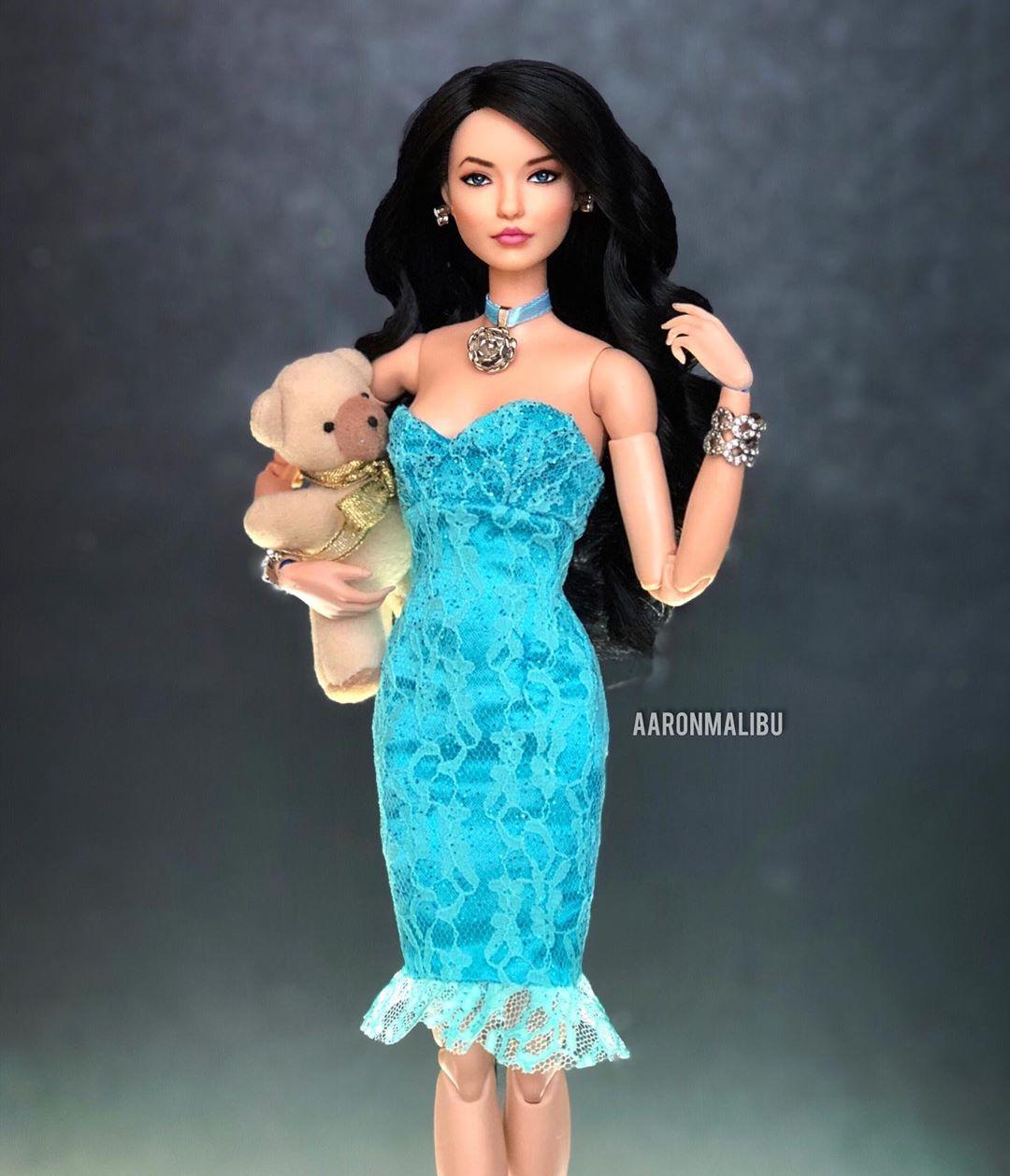 Artista transforma Barbies en personajes de telenovelas Soraya Montenegro