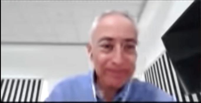 Maestro de la UANL se burla de alumno con Asperger