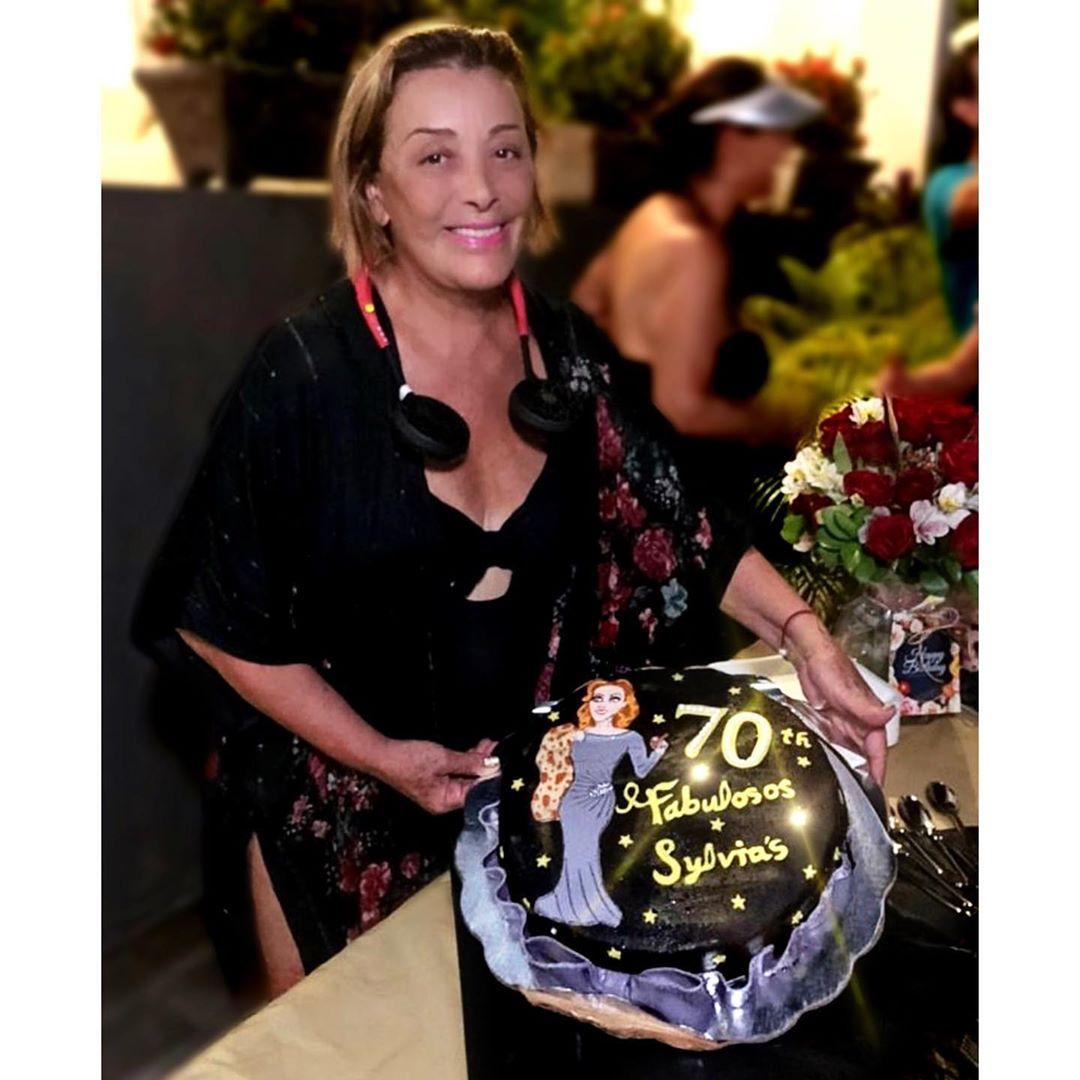 Sylvia Pasquel 70 años