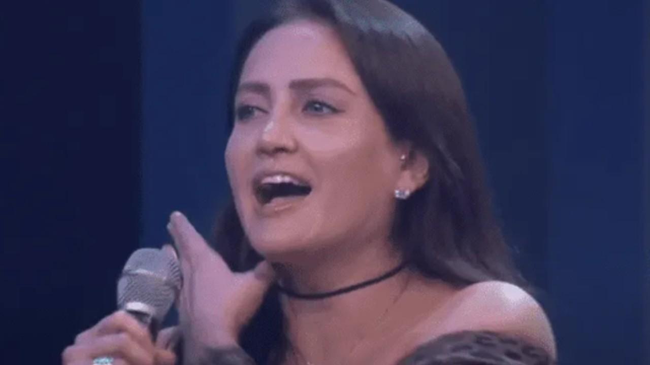 Celia Lora video cantando