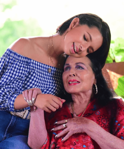 Ángela Aguilar despide a Flor Silvestre con un mensaje