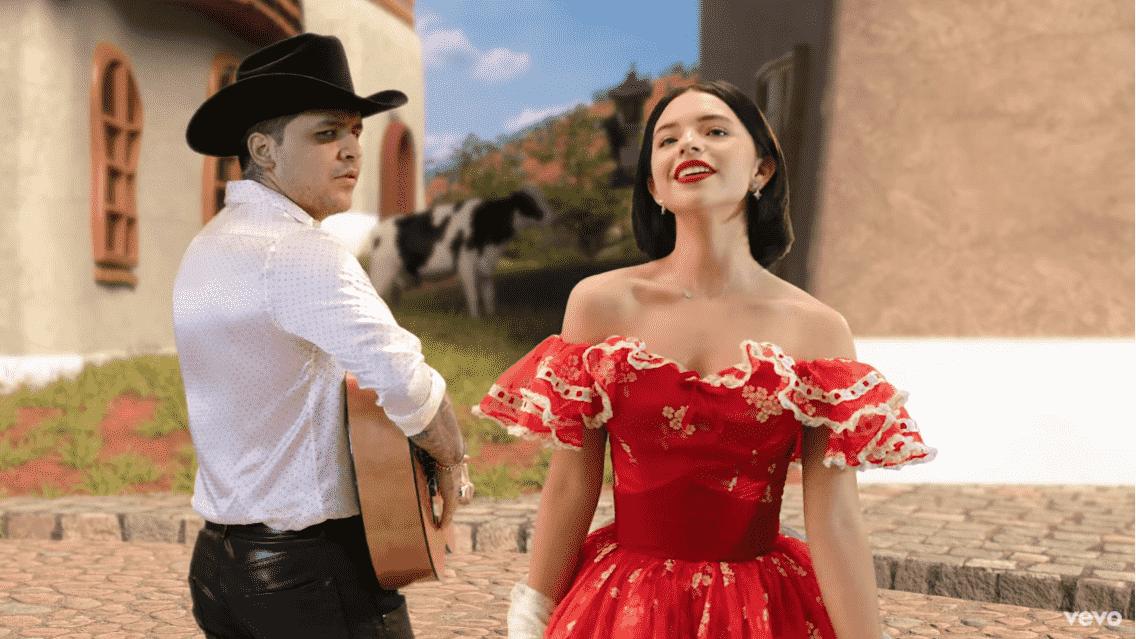 Christian Nodal pidió permiso para cantar con Ángela Aguilar