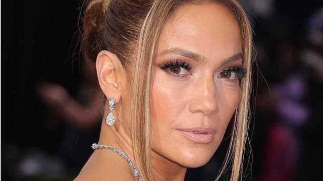 Jennifer Lopez reaparece y se quita 20 años de encima con su nuevo look