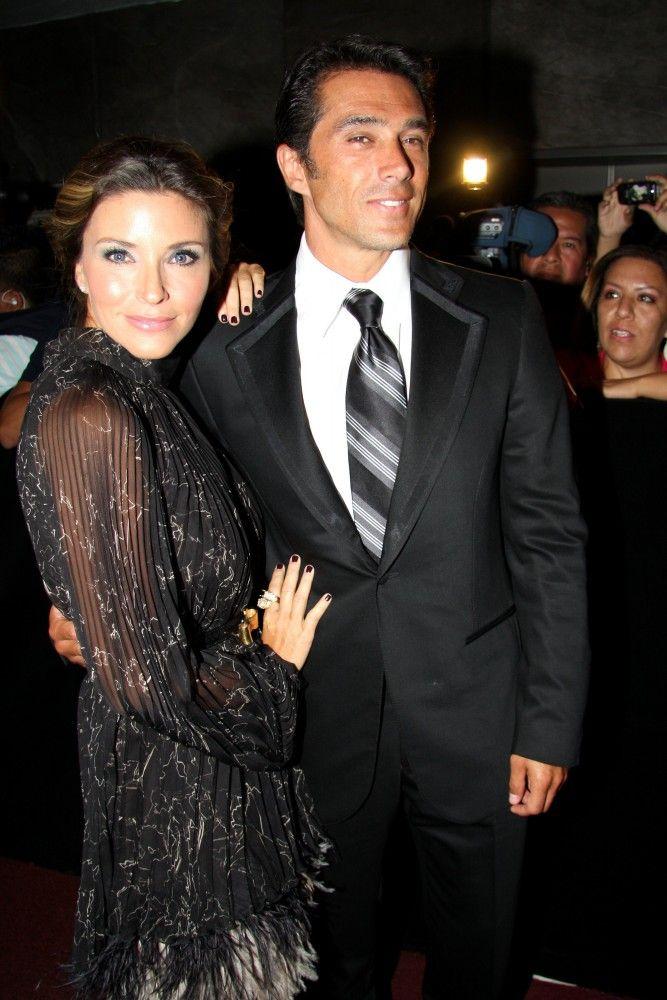 Sergio Mayer e Issabela Camil prefieren sacar de la escuela a sus hijas