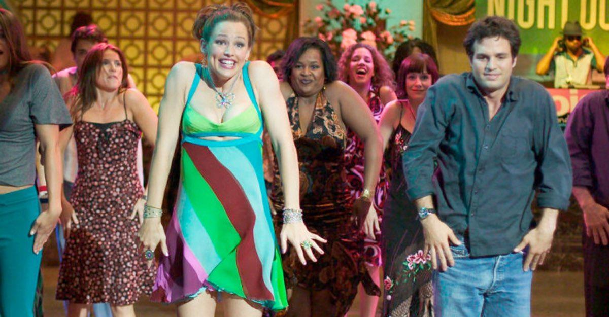 Christa B. Allen recrea escena como Jenna de Si Tuviera 30