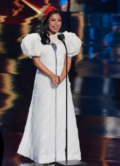 Yalitza Aparicio vestido blanco