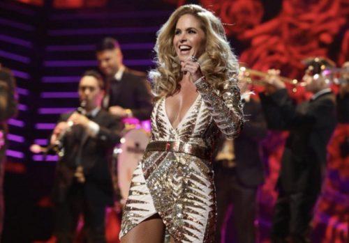 Foto de Lucero en un concierto