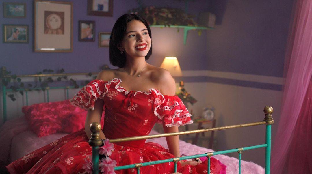 Angela Aguilar vestido rojo