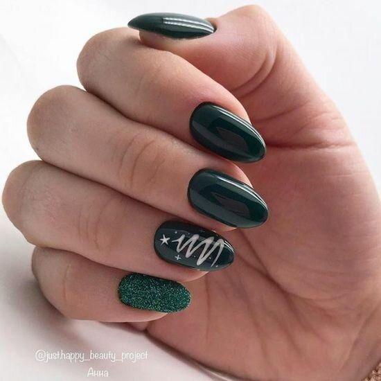 uñas verdes con arbolito de Navidad