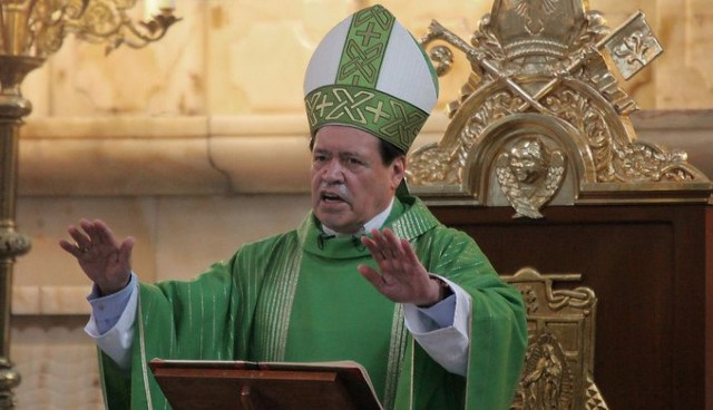 Norberto rivera en una misa