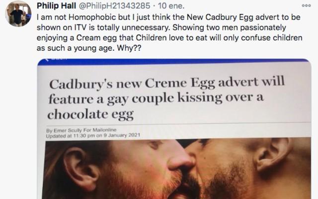 Críticas al beso gay en comercial de chocolates