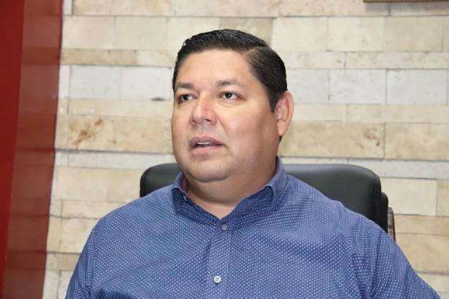 Emmett Soto Grave, alcalde de Escuinapa, Sinaloa, se vacunó contra Covid