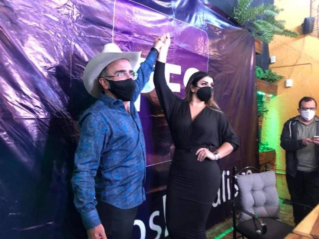 Vicente Fernández Jr y su novia Mariana Rodríguez ser registran como precandidatos del PES