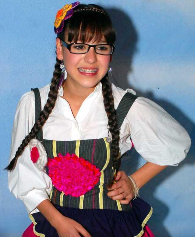 Danna Paola como Patito en Atrévete a soñar
