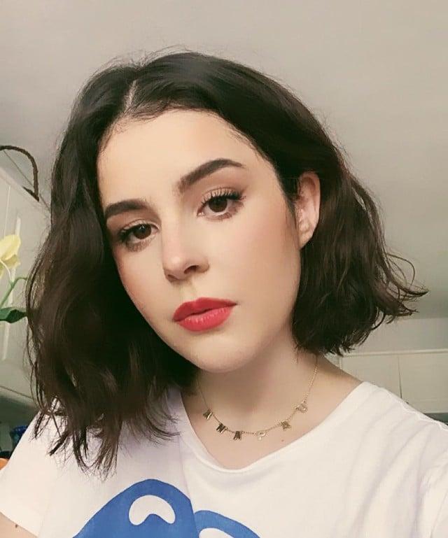 Critican a Ana Paula, hija de Biby Gaytán, por video de maquillaje