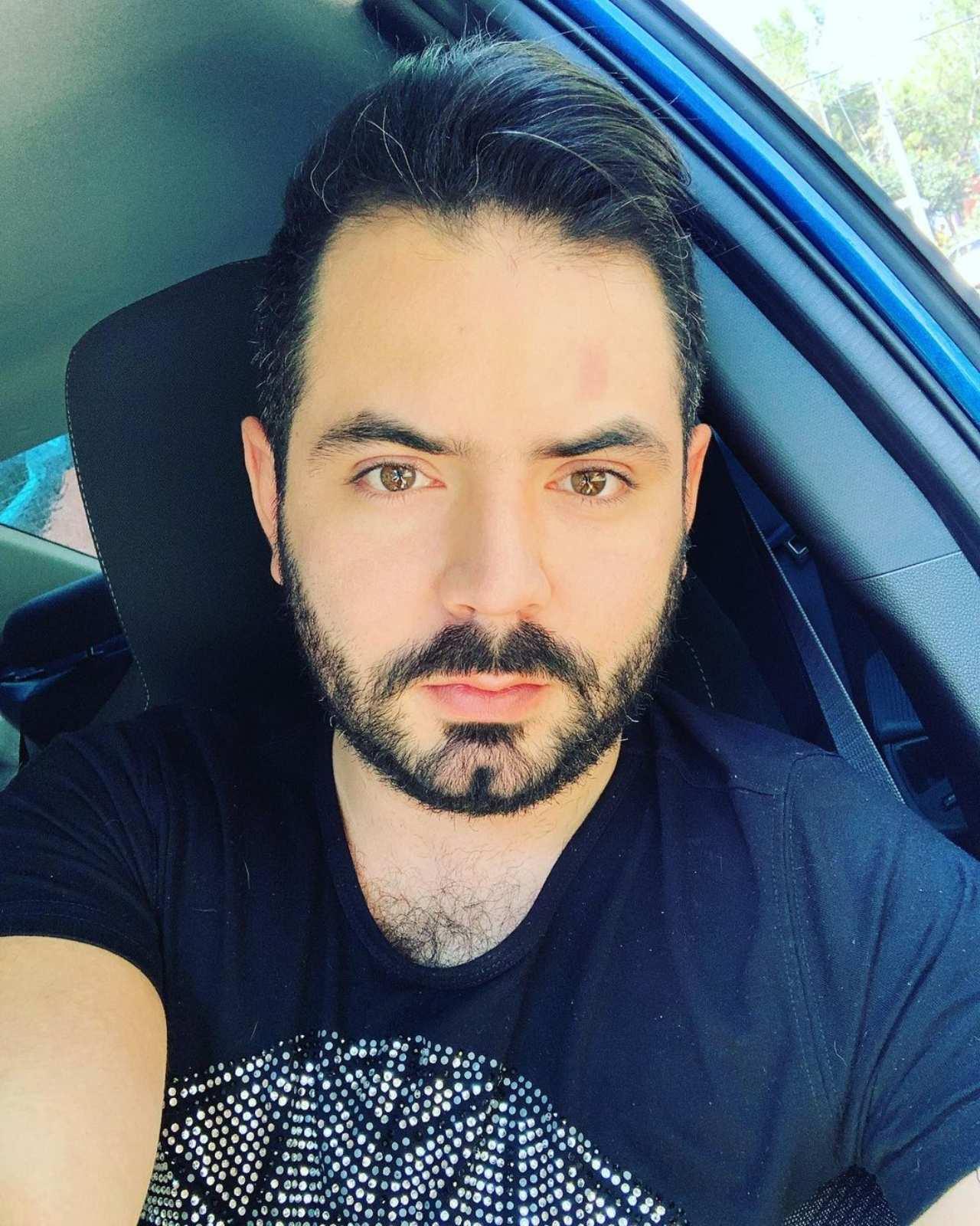 José Eduardo Derbez teme fotos íntimas hombres