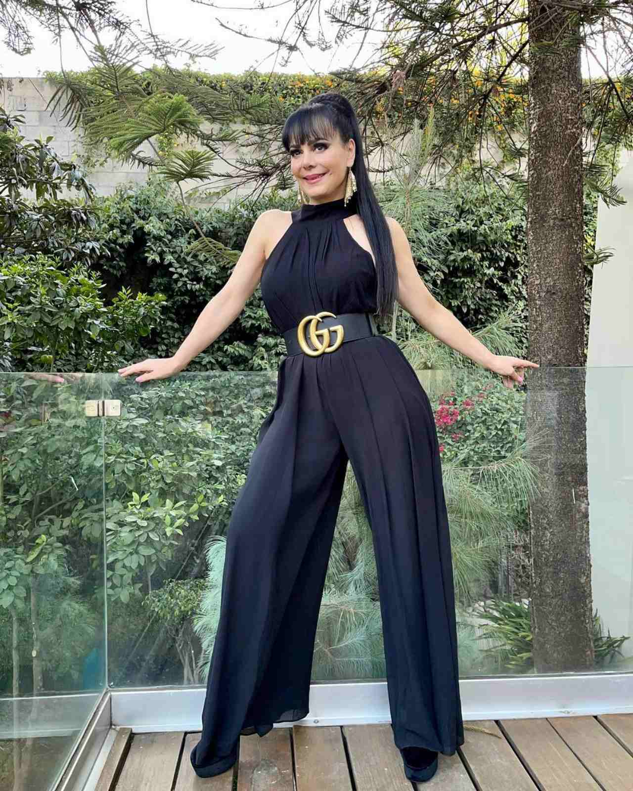 Maribel Guardia usando look Gucci