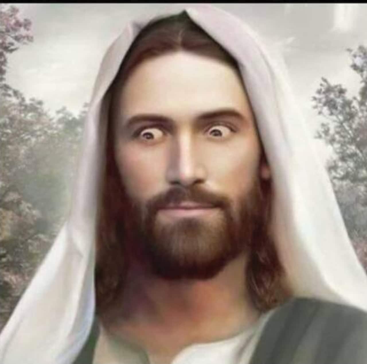 Meme Jesus viendo feo