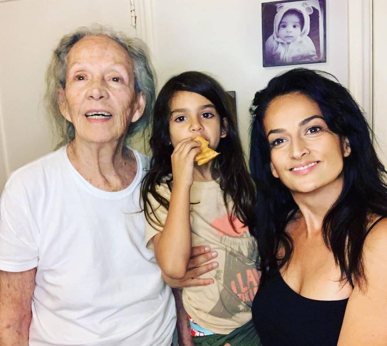 Actriz Isela Vega Shaula Vega camioneta quimioterapias