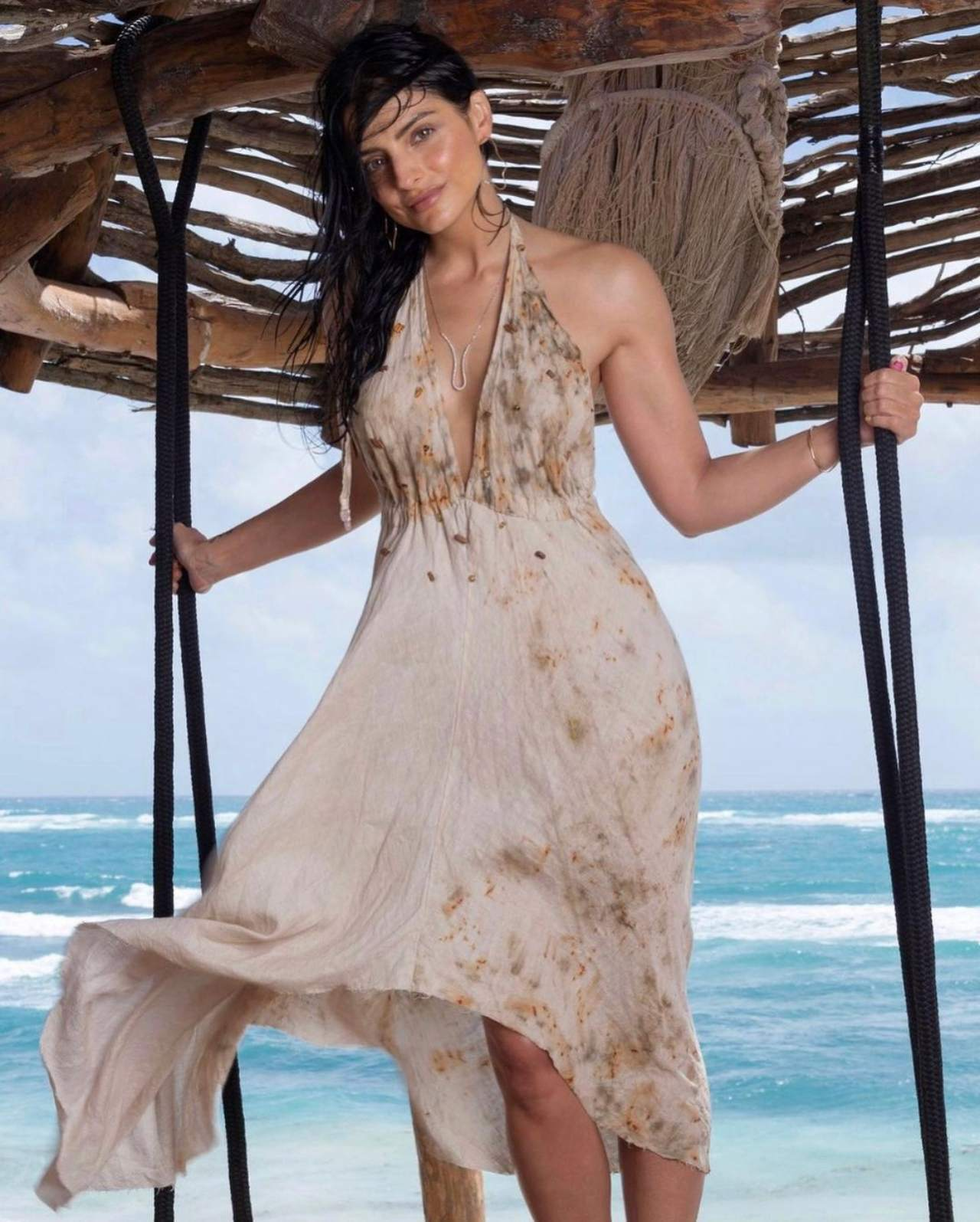 Aislinn Derbez de vacaciones en Cancun