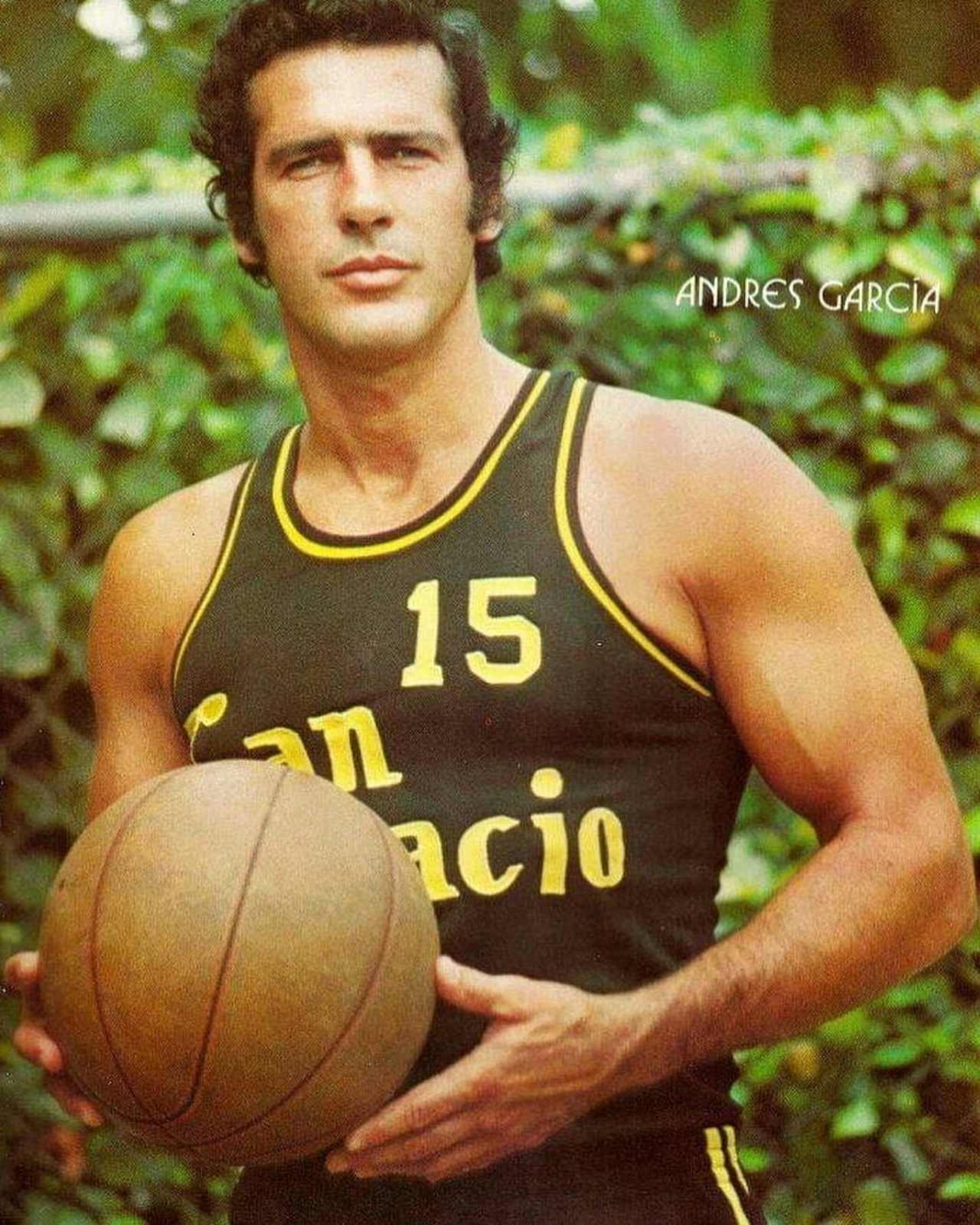 Andres garcia de joven basquetbol