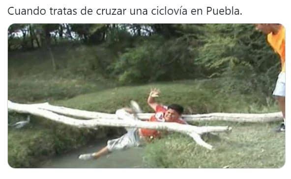 memes poblanos ciclovia