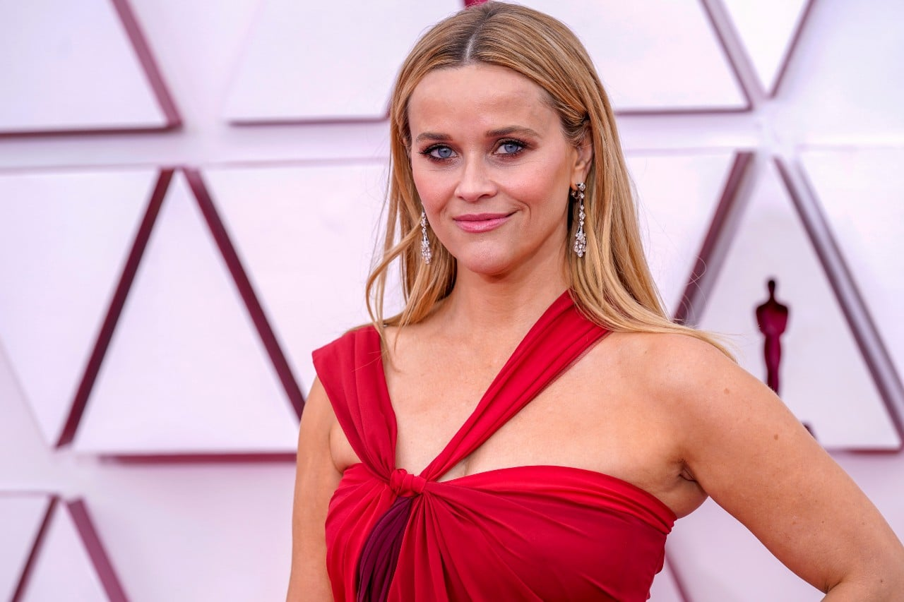 Reese Witherspoon alfombra roja  oscars 2021