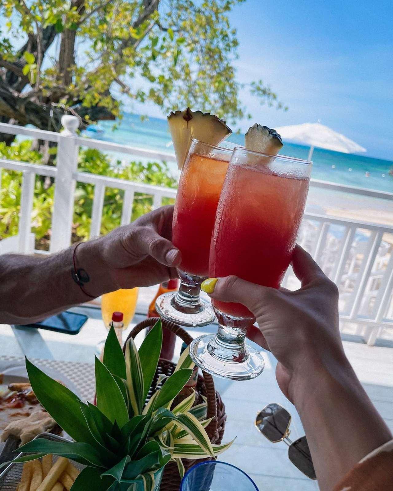 Gabriel Soto Irina baeva bebidas Jamaica
