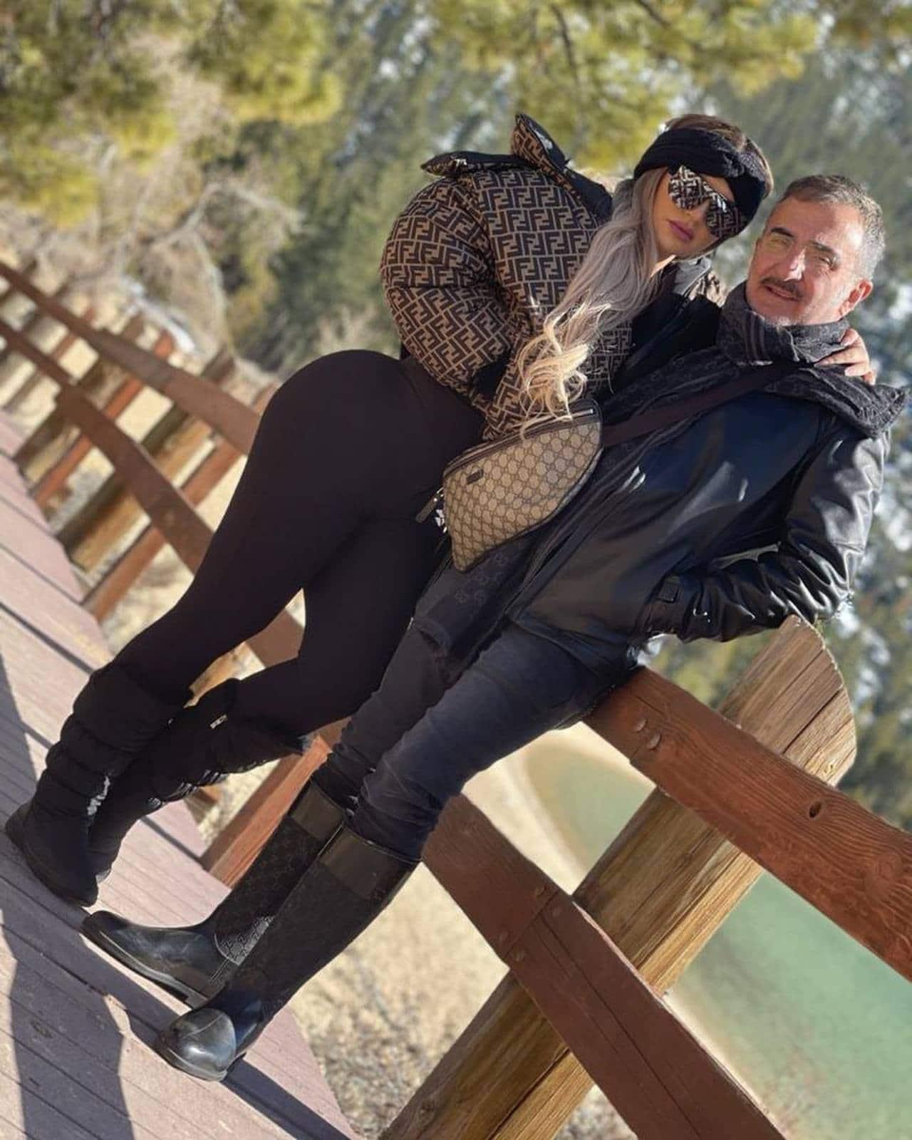 Vicente Fernandez Jr y su novia Mariana