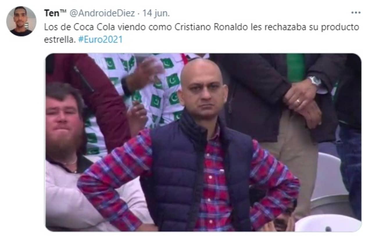 Meme Coca Cola viendo Cristiano Ronaldo