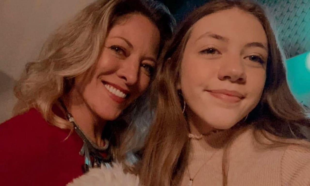 Andrea Noli hija con Jorge Salinas