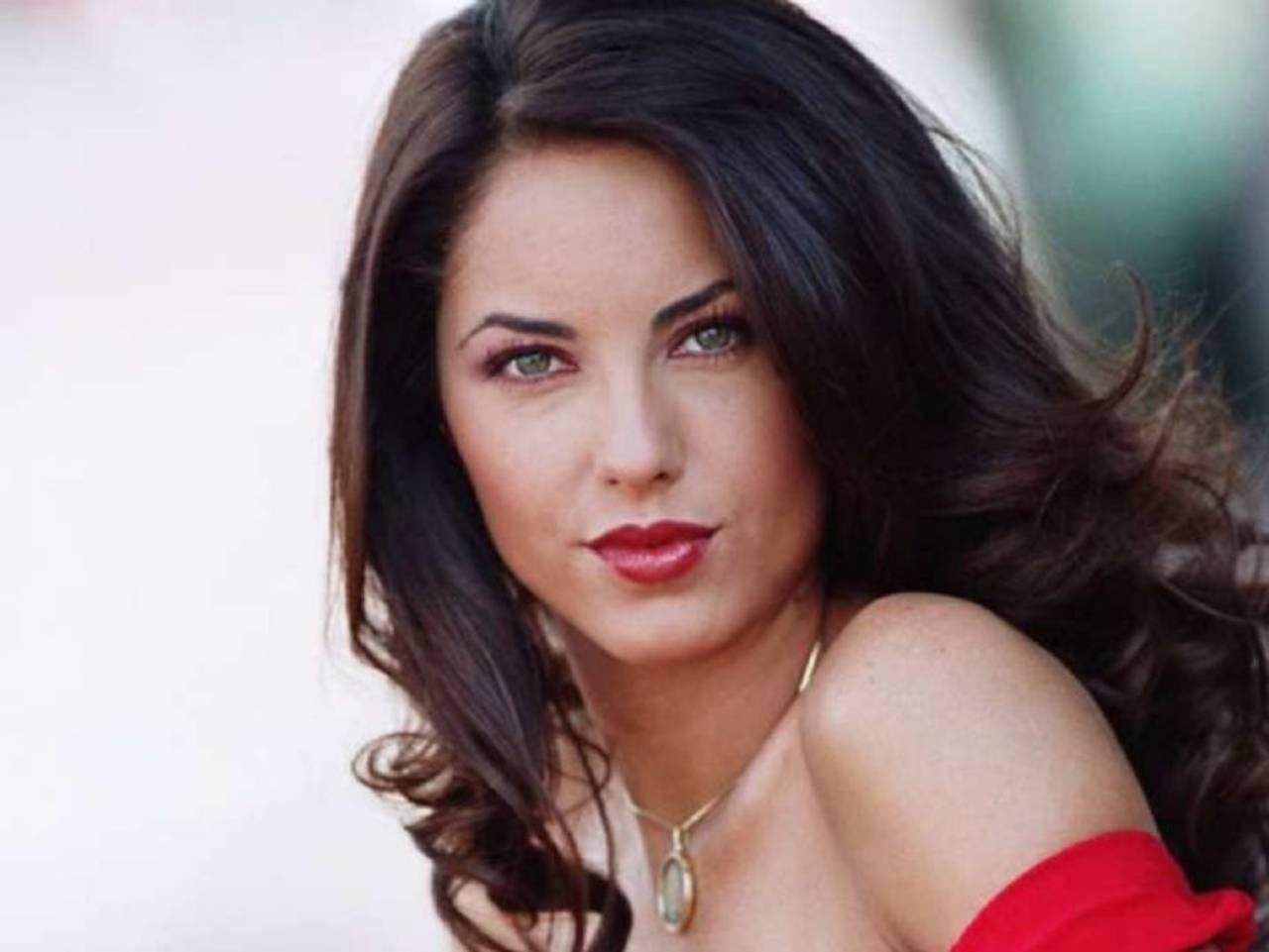 TikToker impacta por ser idéntica a Bárbara Mori