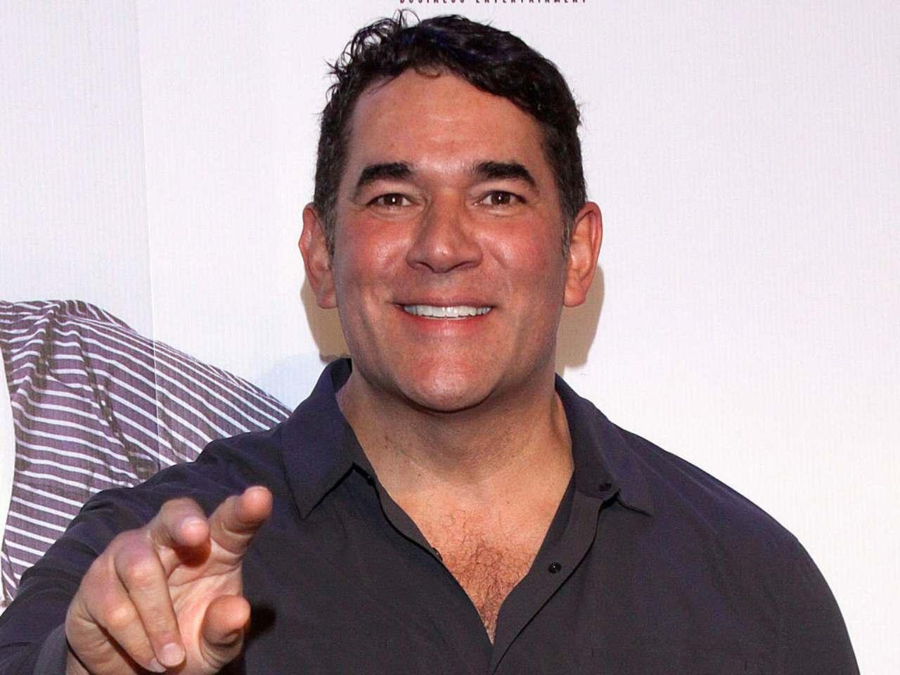 Eduardo Santamarina dice estar subido de peso