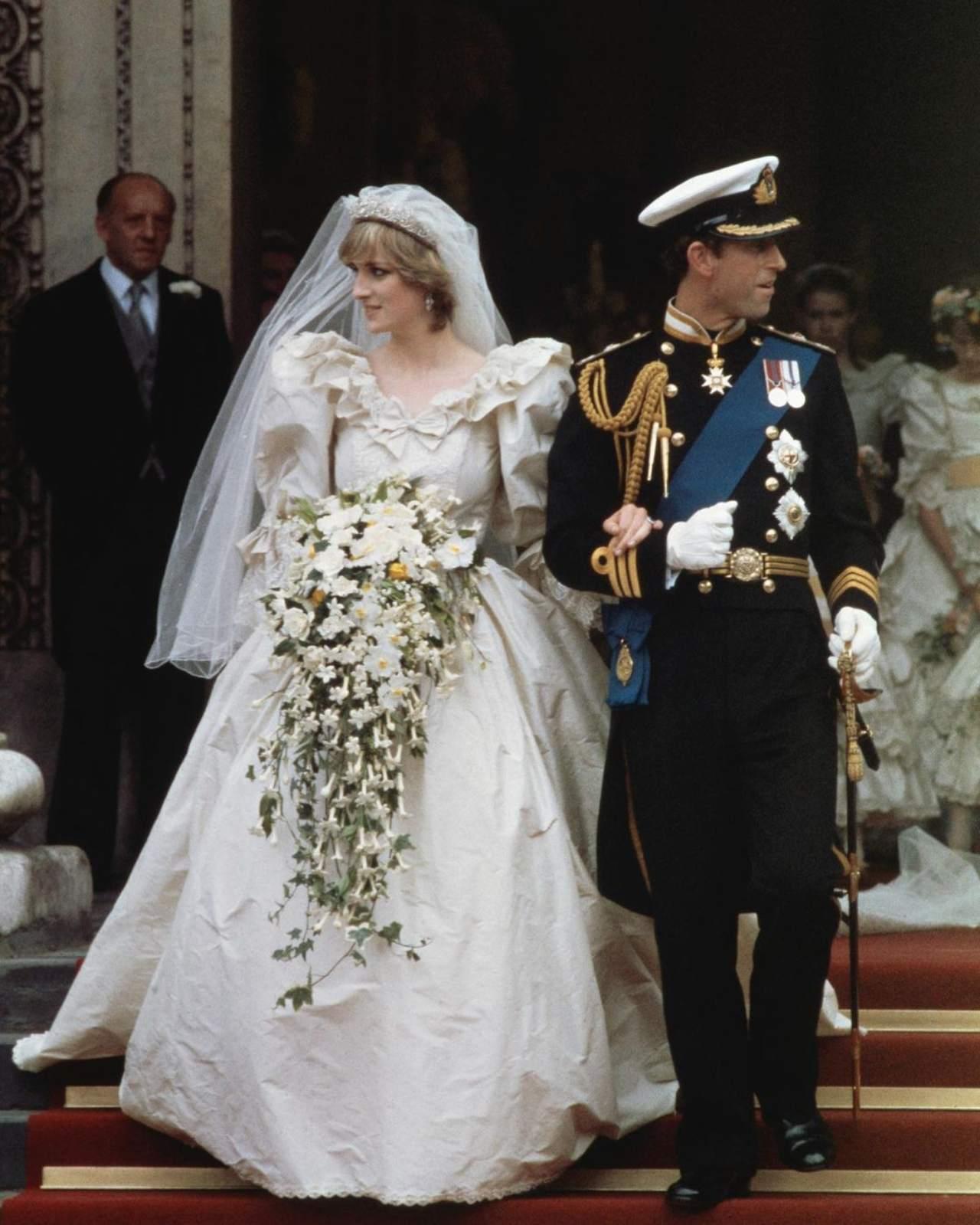 Lady Di en su boda con carlos