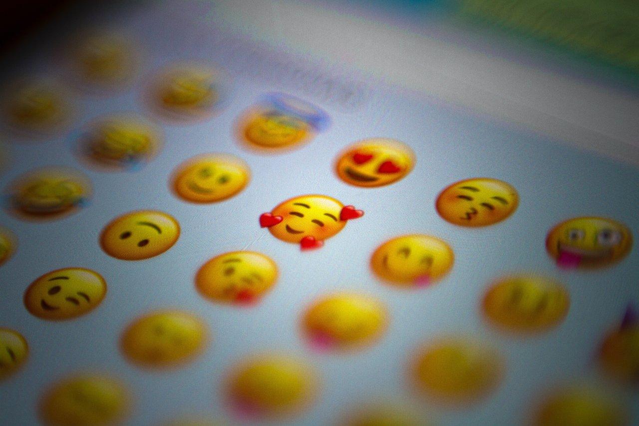 Llegan nuevos emojis a WhatsApp inclusion