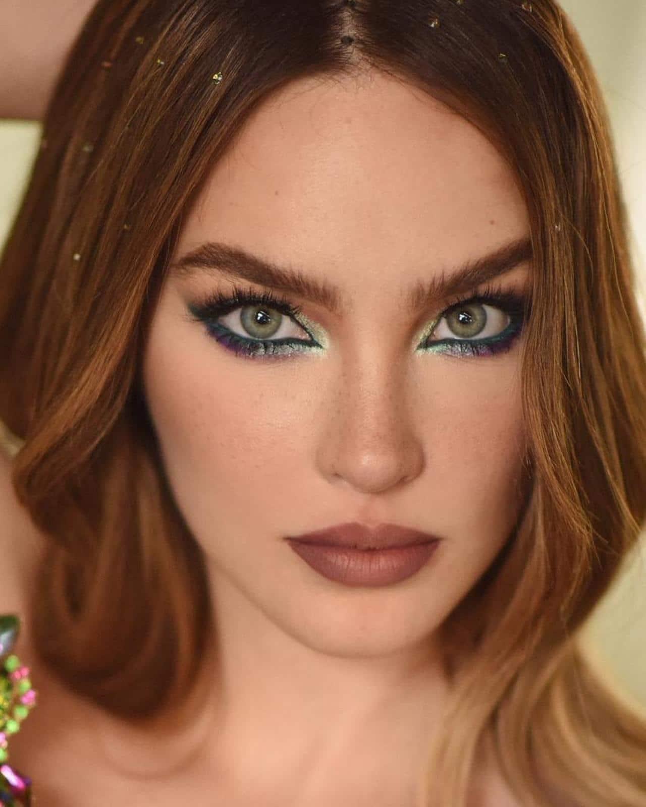 Belinda maquillada estilo hermana de Nodal