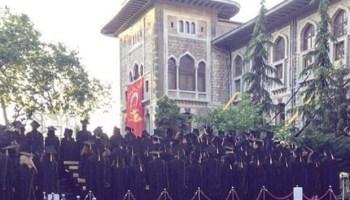 istanbul-erkek-lisesi-ogrencilerinden-protesto-mudur-konusurken-sirtlarini-donduler-144574-5