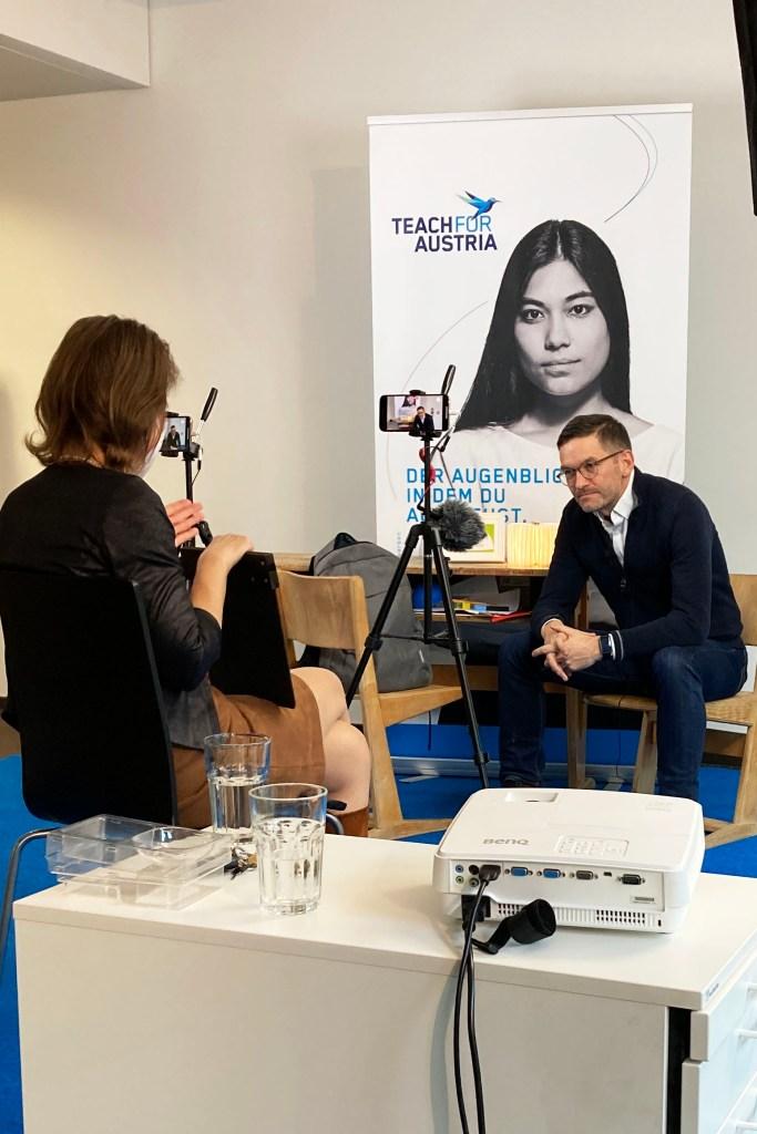 Gebhard Ottacher Teach For Austria in Interview mit Doria Pfob Erleuchtend Erzählt