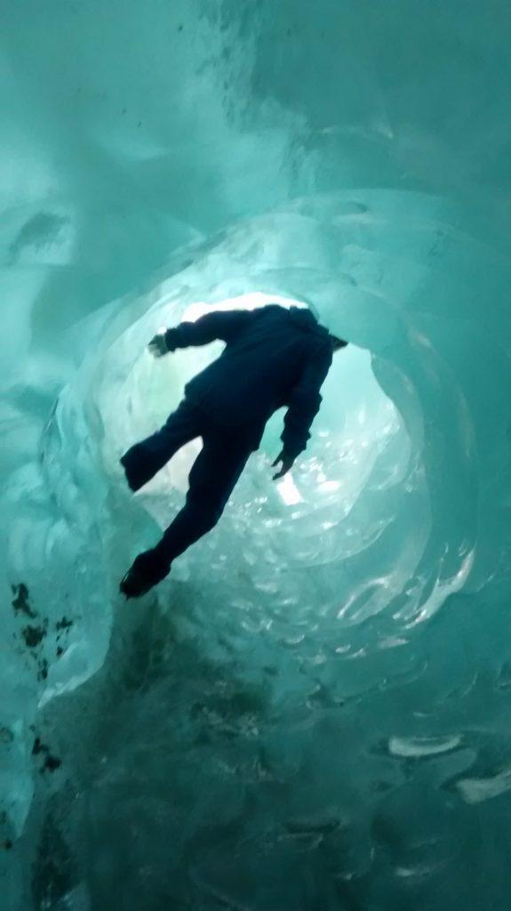 Dentro una grotta di ghiaccio (Glaciar Exploradores)