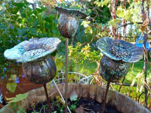 Trädgårdskonst blomma raku