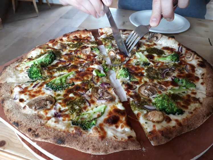 Veggie pizza from the Cowshed at Cowpots