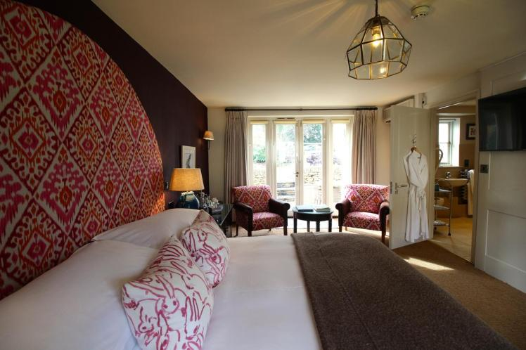 Bedroom at the Hare and Hounds, Tetbury