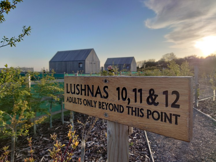 Sign leading up to our Lushna at Lee Wick Farm