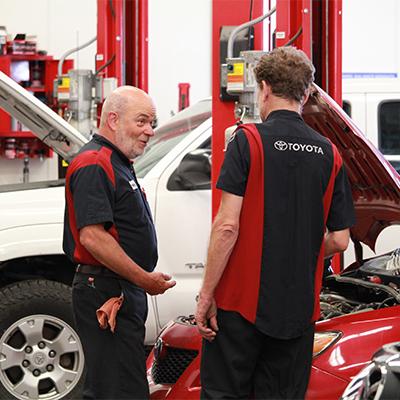 Enjoy a career as an Ernst Toyota Tech