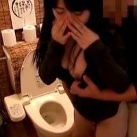 【H動画】 【アダルト動画】【トイレH隠撮動画】合コンで&#235相互オーラルセックス;し酔った女子を居酒屋トイレで即ハメ中出しする一部始終…