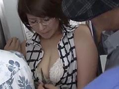 【三十路】電車でナイフで脅され痴漢される様子をスマホで生徒に撮影され、それをネタに体を弄ばれる巨乳のメガネ女教師