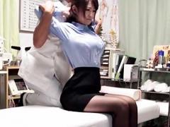 盗撮OL美人全裸盗撮 施術院を訪れた美人OLの受けた施術とは…衣服が邪魔だと徐々に脱がされ、ほぼ全裸状態で施術師に一物を挿入される!20 分超
