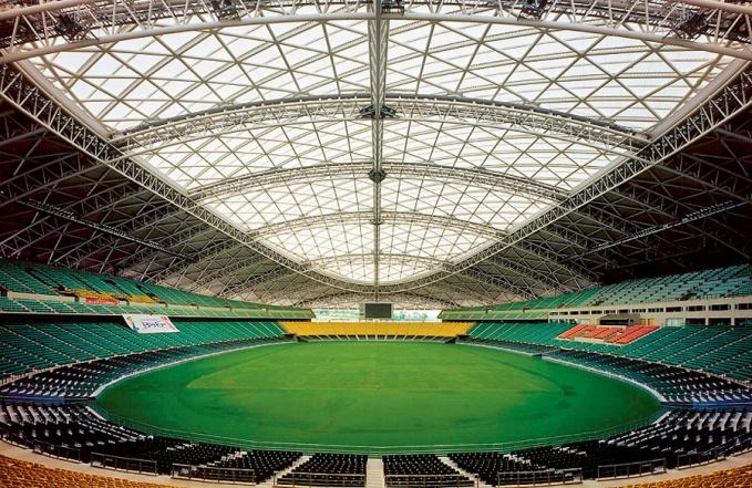 Стадион Оита (Япония), построенный по проекту Кисё Курокавы