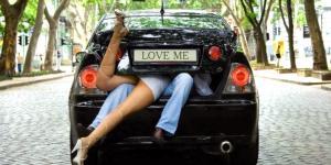 Bilsex Top 8 – De bedste stillinger og steder til sex i bilen